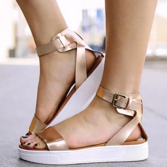 fe859043202 MIA Ellen Platform Sandals Gladiator Flats Gold. M 5ba5843dd6dc52e53540302a